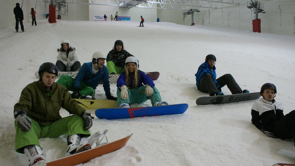 Snowboarding in Snozone