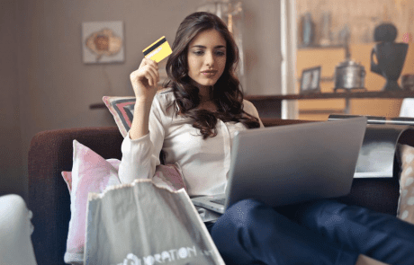 Screenshot lady Aptos Retail
